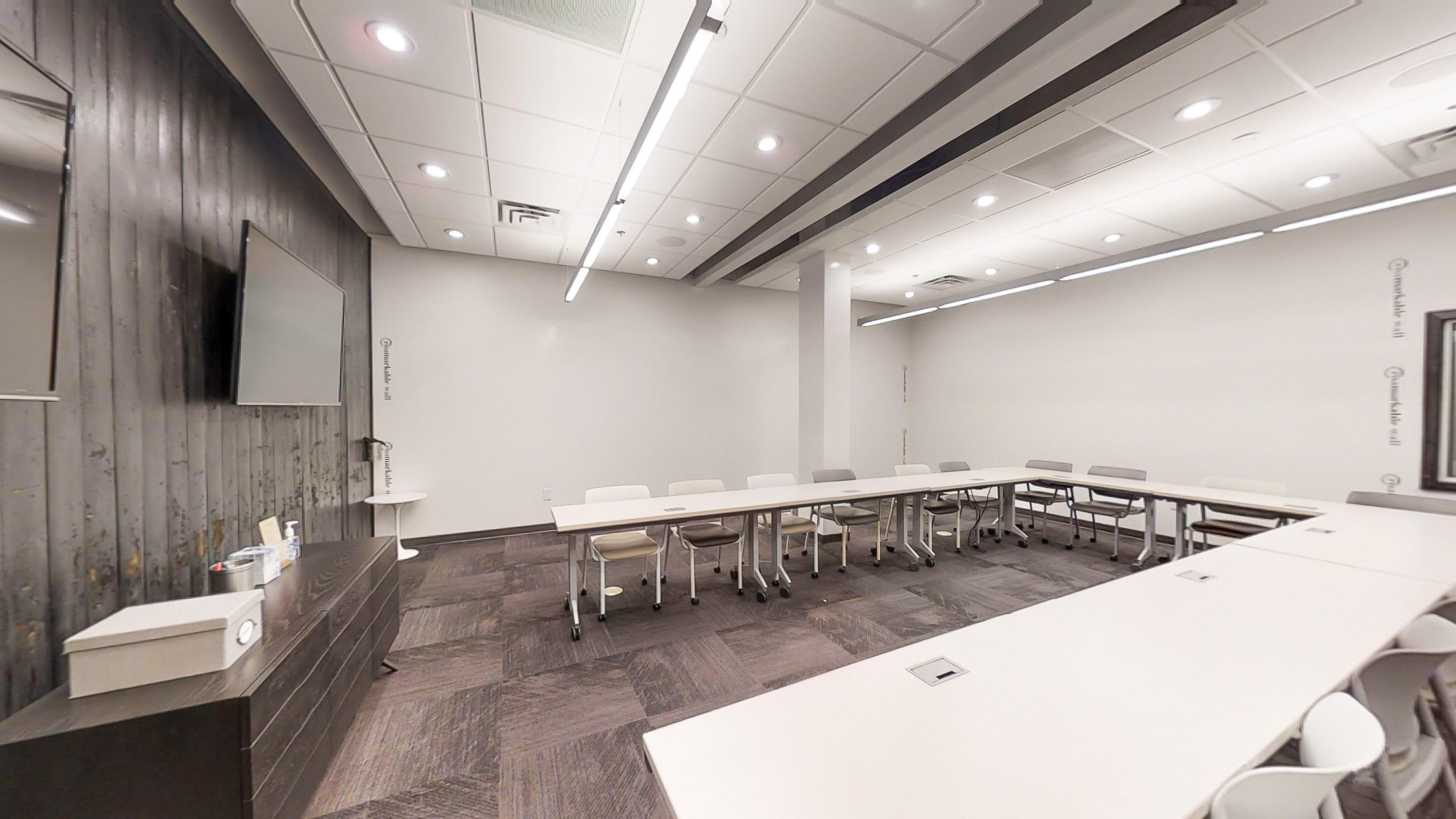 Innovative and inspiring Atlanta training room with whiteboard walls