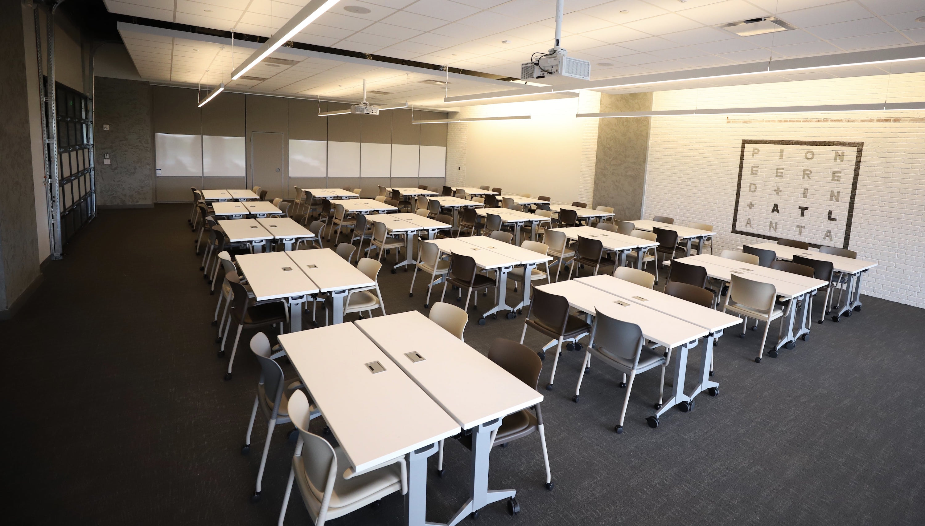 Roam Perimeter Center Atlanta Coworking And Meeting Space - 20 person conference table