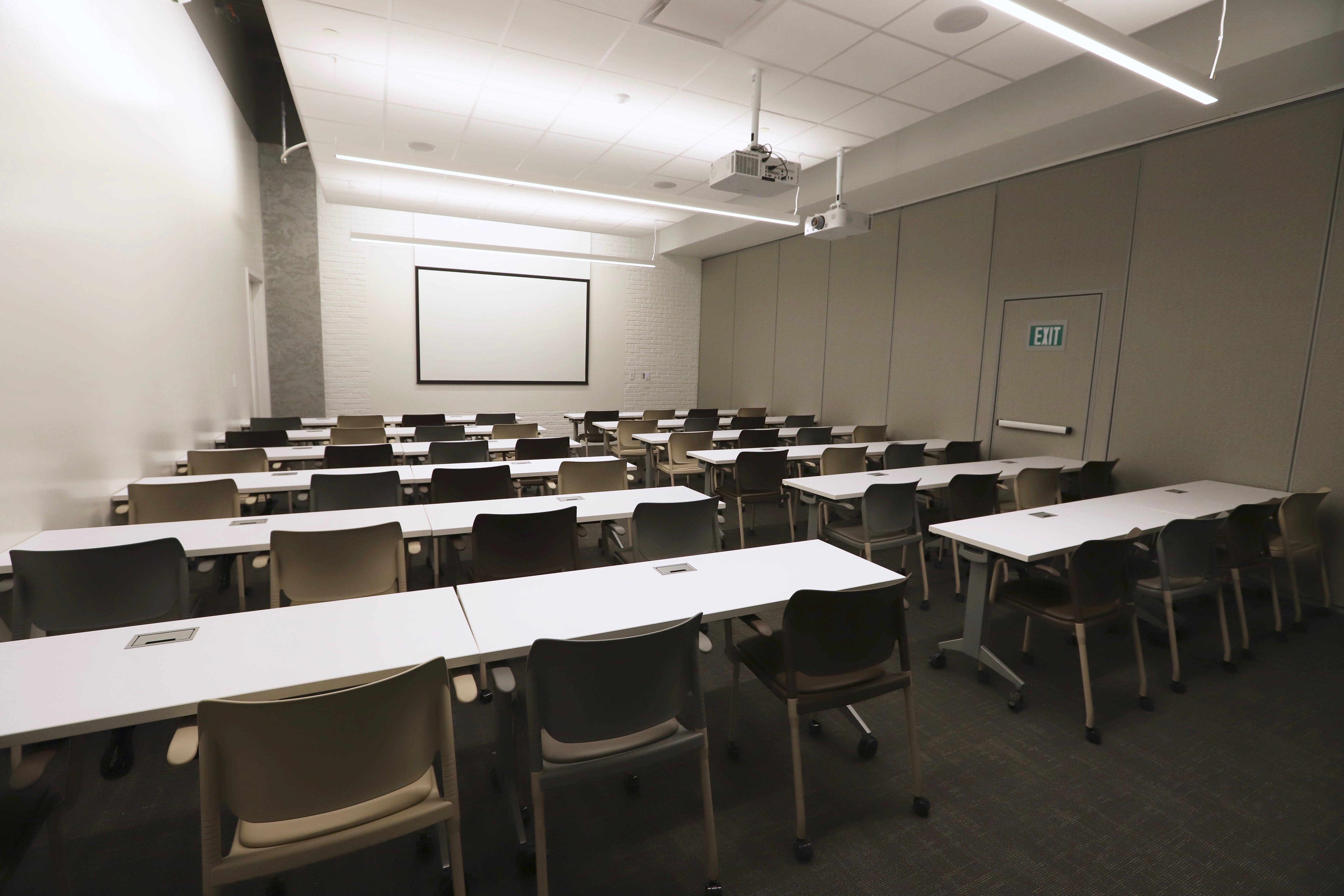 Forum Training Room Seating 70 People At Roam Perimeter